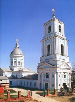 Троицкая церковь в Ядрине, построенная в 1829 г. - памятник истории и культуры федерального значения
