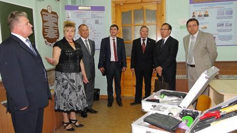 Директор Нижегородского филиала центрального московского офиса АНО «Японский Центр» Хамано Митихиро накануне начала учебного года посетил Чебоксарский кооперативный институт.