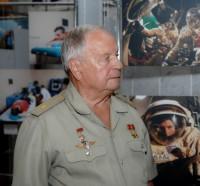 Летчик-космонавт В. Горбатко. Фото Г. ВЕРБЛЮДОВА
