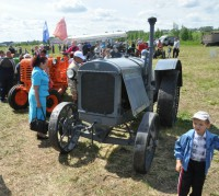 Пробег тракторов. Фото О. Мальцева.
