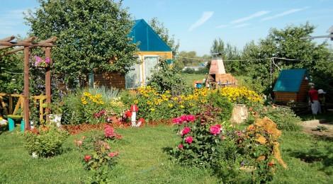 Уголкок отдыха в усадьбе Петровых из Канашского района (3-е место)