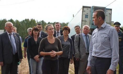 Глава Чувашии посетил село Октябрьское Мариинско-Посадского района, наиболее пострадавшее от урагана 17 июля. Фото www.cap.ru